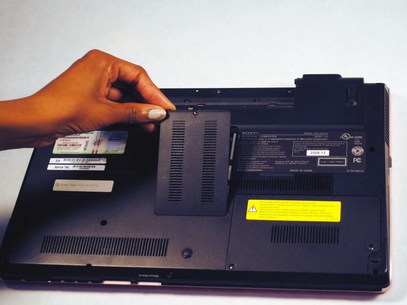 Замена платы оперативной памяти на ноутбуке Sony Vaio VPCW21FX