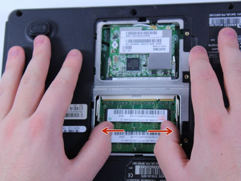 Замена беспроводной карты и ОЗУ в Dell Inspiron B130