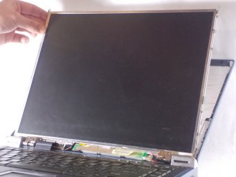 Замена экрана в Toshiba Satellite 2430-S255