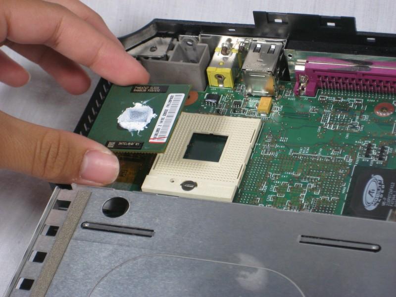 Демонтаж материнской платы IBM ThinkPad A30