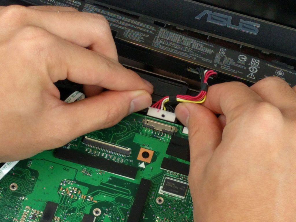 Замена батареи ноутбука Asus X751L